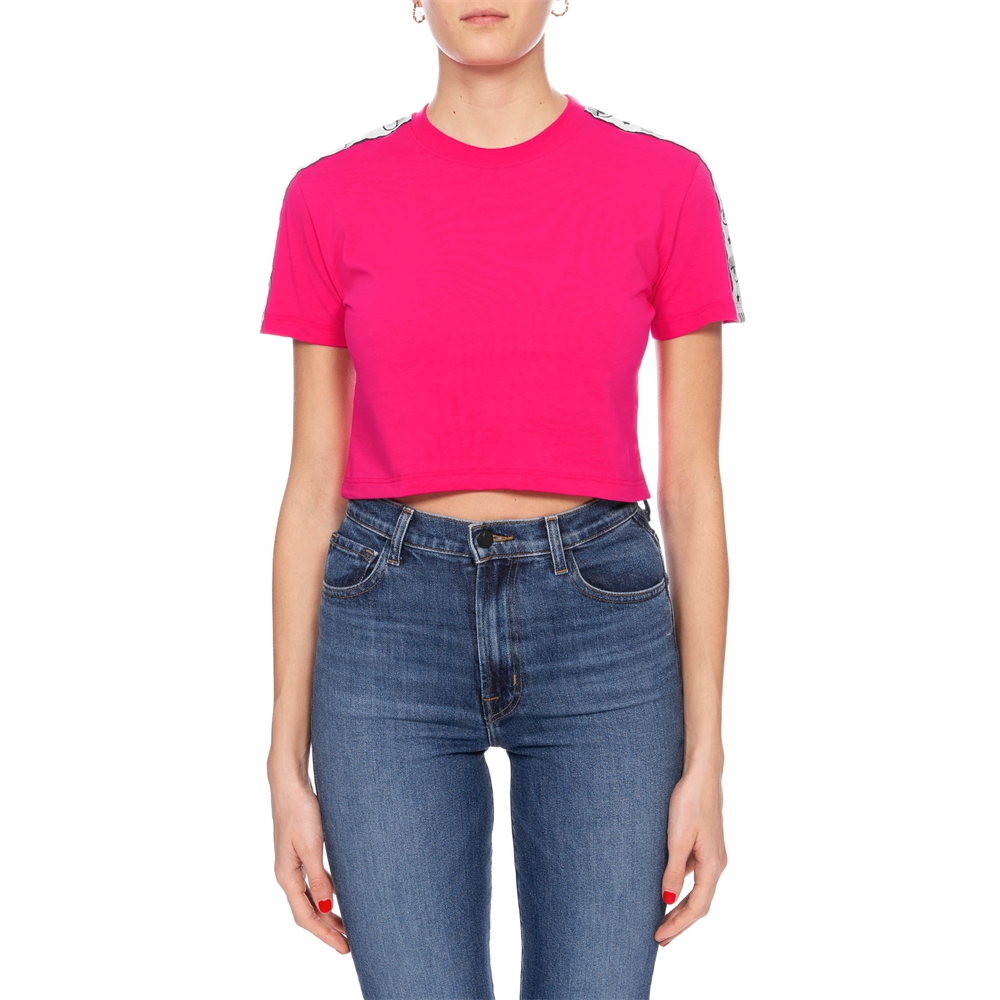 Short sleeves. | CFT096FUCSIA