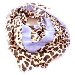 spotted foulard