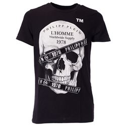 black skull printed t-shirt