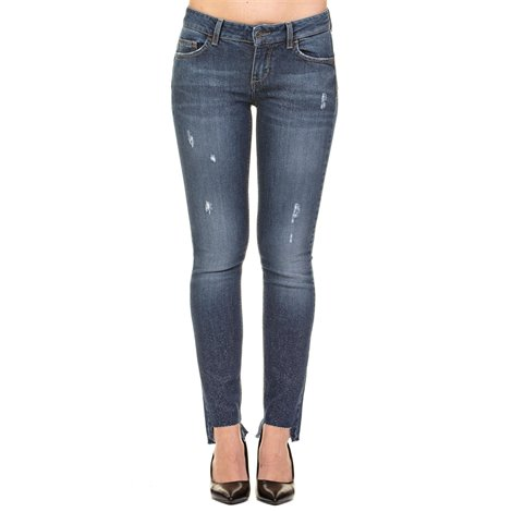frayed hems bottom up jeans