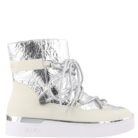 white and silver fabric silvia snowboots