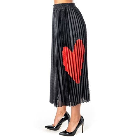 pleated skirt with heart print